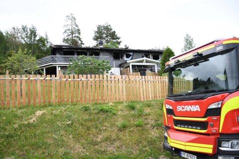 BRANN: Det var 13. juni det brøt ut brann i dette huset i Brumunddal.
