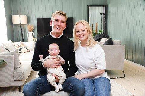 Familielykke: Håkon og Hanne Stine Kjemphei-Kristiansen har opplevd store ting det siste året. Lille Isak topper listen.