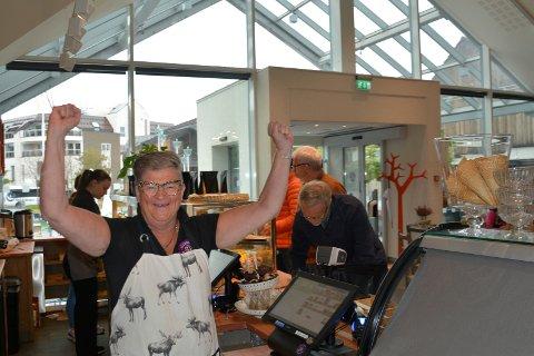 endelig: Sissel Olsen på Bakeriet i Brumunddal gleder seg over nyhetene at de nå kan åpne opp helt igjen.
