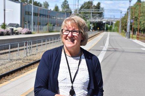 ADMINISTRERENDE DIREKTØR: Alice Beathe Andersgaard i Sykehuset Innlandet. Her fotografert i Moelv samme dag som helseminister Bent Høie (H) fattet sitt sykehusvedtak.