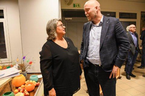 BEKREFTER: Anita Ihle Steen og Odd-Amund Lundberg bekrefter at Ringsaker Arbeiderparti og Ringsaker Senterpartiet skal snakke sammen etter helga. Bildet er tatt ved en tidligere anledning.