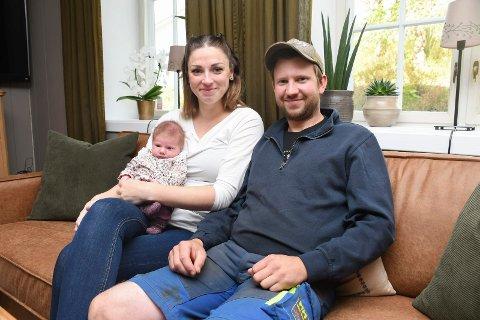 Stolte foreldre: Begivenhetene har det siste halvannet året vært mange for Kristin Helene Jakobsen og Kristian Dæhlin. For to uker siden kom lille Synne til verden.