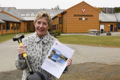 Rådmann May-Britt Nordli ønsker at Bergerbakken skole skal bli en full barneskole. Det er lokalpolitikerne enige i.