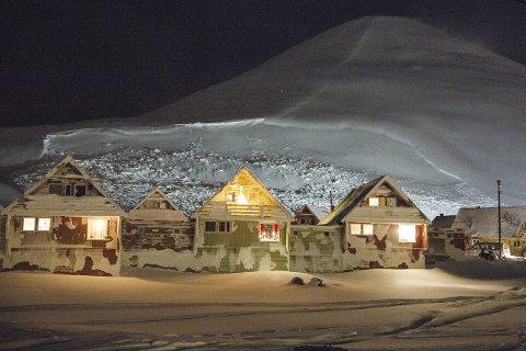 Snøraset fra fjellet Sukkertoppen på Svalbard 19. desember krevde to menneskeliv.