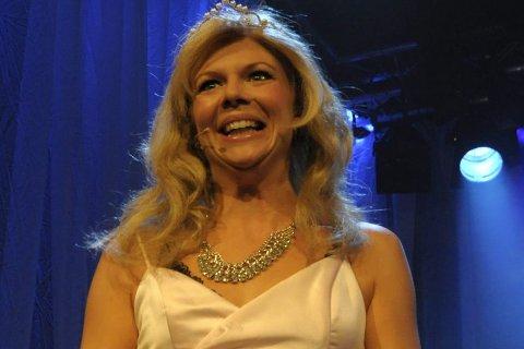 Anne Sem Jacobsen som Askepott, men hvem eier stemmen til rollefigurene i spillefilmen?