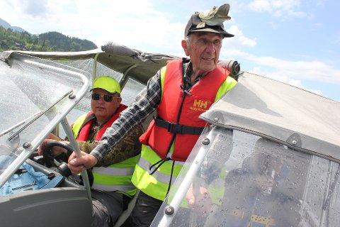 Kjell Sundøen har over 60 års erfaring med fiske i distriktet. Han har aldri hørt om noen som har blitt angrepet av gjedde tidligere.