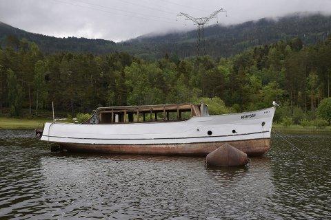 REDDET: Det har vært engasjement rundt båten Krepsen. Nå ser den ut til å være reddet (arkivfoto).