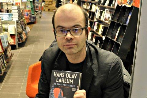 Hans Olav Lahlum er gjest hos Nils & Ronny.