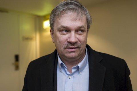 Ordfører i Ringerike Kjell B. Hansen ber Fylkeslegen i Buskerud se nærmere på eldreomsorgen i Ringerike kommune.
