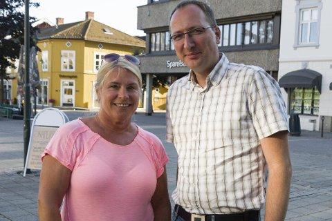 Arbeiderpartiets Kirsten Orebråten og Ståle Skjønhaug ønsker at det skal bygges nytt sykehjem i Ringerike innen 2022.