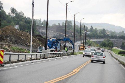 Første del av firefelts riksvei 4 til Jaren skal åpne i rundt nyttår 2016-17. Det blir mye veibygging i nabodistriktene til Ringerike i tiden som kommer.