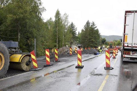 Planen er å fullføre arbeidene mellom Veme og Skotland på riksvei 7 innen 20. november.