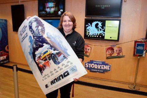 Børning 2 har festpremiere på Hønefoss kino. Assisterende kinosjef Katrine Wang Svendsen har merket seg at distriktet har et stort bilmiljø.