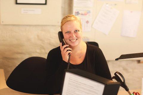 Caroline slet med depresjon etter årevis med mobbing. Derfor er det en glede for 24-åringen og hennes omgivelser å se at hun blomstrer opp i kontakt med andre på jobben i Fontenehuset.
