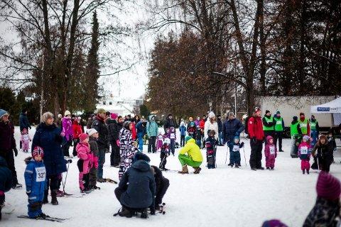 Stor interesse: Bareskirennet i Søndre park har hatt stor deltakelse. Flere hundre barn har stilt opp de gangene rennet er arrangert.