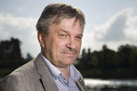 Ringeriksordfører Kjell B. Hansen stiller på LO-senteret mandag ettermiddag. Der er han klar for å svare på spørsmål.