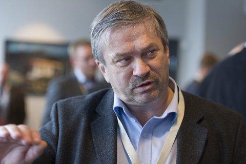 PROVOSERENDE: Ordfører Kjell B. Hansen (Ap) synes forslaget fra Fylkesmannen om tvangssammenslåing framstår som provoserende.