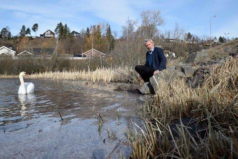 Hva heter fjorden ordfører Per R. Berger her sitter ved?