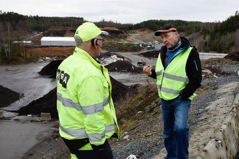 Rune Skaane og Jevnaker jeger- og fiskerforening vil ha ned revebestanden, men så lenge dyrene får mat på Trollmyra, er det vanskelig. Formann for HRAs uteavdeling, Jørn Atle Nysveen, mener at det er mindre rev på avfallsplassen enn tidligere.