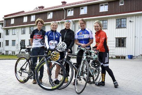 F.v. Turid Johnsrud Guttormsen, Wenche Hoel Grinaker, Else Karine Pjåka Carlsen, Christina Frydenlund og Nina Rongved
