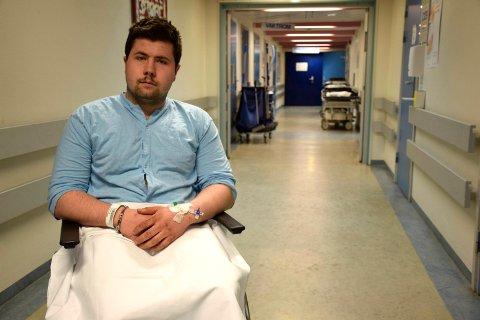 Kristian Møtteberg (18) fra Veme sier han ble presset i grøfta av en bil. Politiet har nå fått tips i saken.