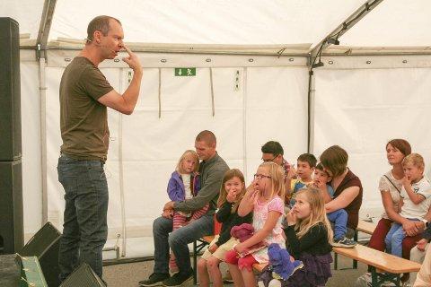 Barna kjenner at de har bein i nesa. og det er veldig bra å ha, mener Håkon Forfod Sønneland.
