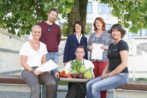 Ann Kristin Hølen (Eger), Jonas Gythfeldt (Sørsida Grill& BBQ), Linda Molholdt Nordgården, Mette Stenersen og Rita Bakken (Baker Hansen) vil ha flere ut og spise.