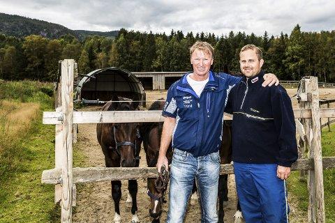 Sammen jobber de hardt i Team Buller'n & Malmin; Trond Anderssen og Kristian Malmin. – Vi ville ikke ha byttet jobb med noen, sier duoen. Foto: Eirik Stenhaug/Equus