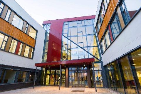 TILSYN: Kommunen har gjennomført tilsyn ved Hønefoss videregående skole.