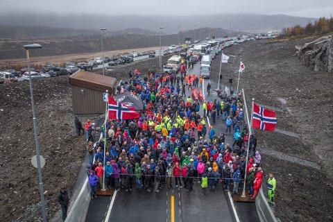 Det var folkefest da den nye vintersikre E16 fra Valdres til Sogn ble åpnet fredag.