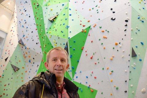 Fra idrettshall til eiendomsdrift: Geir Bratlund, daglig leder i Hønefoss Arena, begynner som ny driftsansvarlig i AKA.