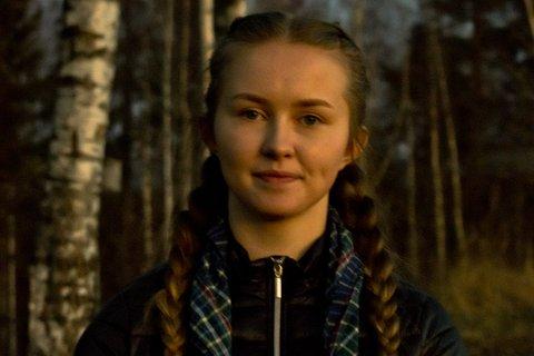 Tuva Moholdt (17) frå Hønefoss vann skrivekonkurransen til Framtida.no og Magasinett.