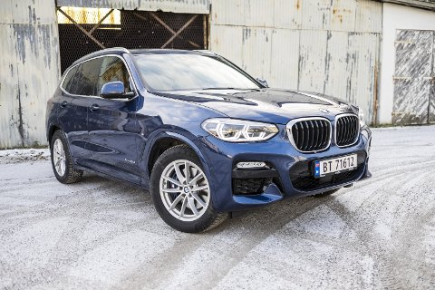 BMW: Det er ingen tvil om at dette er BMW, de holder på fronten sin som er lett å kjenne igjen, mens fra siden og bak er den litt mer anonym.