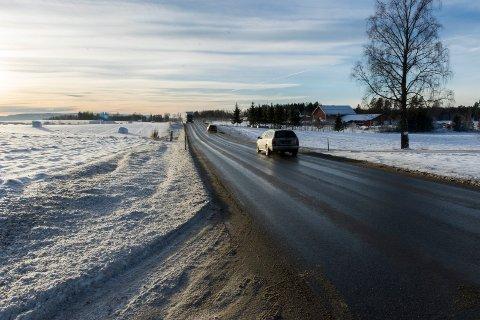 Fylkesvei 241 på Lisletta kan få gang- og sykkelvei, men neppe før 2020.