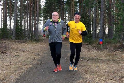 Stig Andy Kvalheim Rambø og Jon Anders Kvisgaard gleder seg over perfekte forhold for løping på Eggemoen.