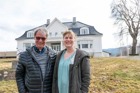 MØTEPLASS: Svein Eystein Lindberg i Ringerike Etablerersenter og Kari Isingrud, etablererveileder for Hadeland, arrangerer gründertreff på Thorbjørnrud Hotel 25. april.