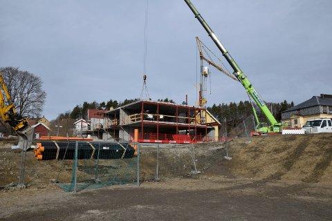BYGGER: Mesterbygg Ringerike bygger 22 leiligheter ved Riddergården i Hønefoss. (Arkivfoto).
