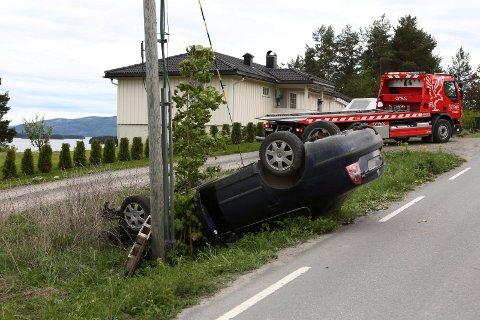 Denne bilen havnet på taket på Røyse.