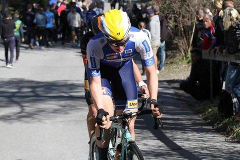 SEIRET: Sondre Midtsveen fra Ringerike Sykkelklubb NM-gullet i lagtempo sammen med Andreas Leknessund og Sindre Kulset.