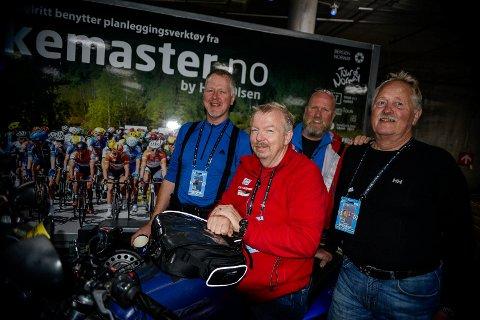 MC-sikkerhet: Rune Olsen (i rødt) har ansvaret for MC-sikkerheten under sykkel-VM i Bergen. Blant andre har han med seg Hønefoss-karene Trond Hegseth, Kjell Westbye og Hans Petter Hansen, som alle kjører MC.