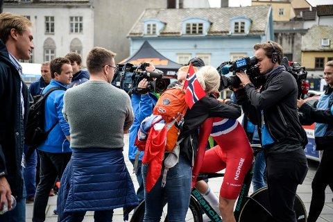 Stort medie- og publikumstrøkk: Mye trøkk rundt Andreas Leknessund under sykkel-VM. Leknessund er bevisst på at trøkket rundt ham ikke skal gi overtenning.
