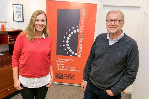 JAKTER KANDIDATER: Monica Odden Myklebust (40), bosatt i Hole, slutter i Ringerike Næringsforening. Nå er stillingen som prosjektleder lyst ut, og Jan Erik Gjerdbakken må  finne hennes etterfølger.