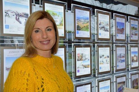 PÅ JOBB IGJEN: Gunn Margit Andreassen er tilbake på jobb som eiendomsmegler i DNB Eiendom. Hun og Frode Andresen mistet nylig sin eldste sønn, David.
