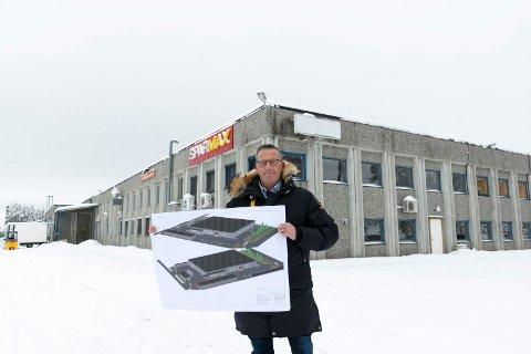 ENDELIG: Jørn R. Tunga, daglig leder i Byggmakker Hønefoss, åpner nytt varehus på Hensmoen i august 2018.