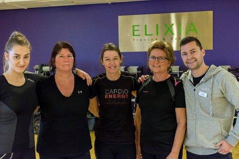 Ikke støttemedlemmer: Ann Helen Østvold og Anders Jacobsen sammen med tre trofaste kunder: Kari Merete Møtteberg, Tone Halvorsen og Torill Sagnesgard.