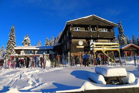 TOPP: Tove og Viggo Hansen leverer ifølge Skiforeningen ifra seg en stue i topp stand.