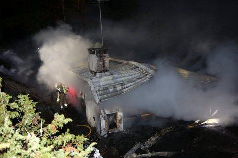 NEDBRENT: Hytta ble totalskadd i brannen.