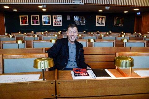 NY BOK: Ole J. Andersen er klar med ny bok, også denne gangen handler det om temaer han brenner for.