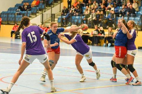 SPILLER LØRDAG: HSK-damene møter Junkeren i Bodø lørdag. Kampen kan du se direkte på ringblad.no