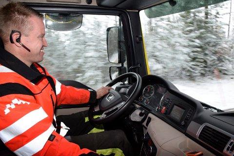 REDDER BILISTER: Bilberger Thor Støa Hansen i Auto Assistanse har hjulpet mang en sjåfør ut av en knipe.